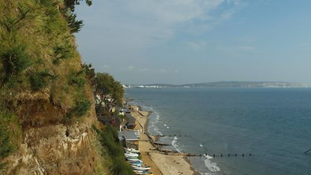 At the end of Priory Road the walk heads down the cliff to the shoreline via a flight of steps © Ste