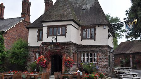 Pub dining at the George and Dragon, Great Budworth