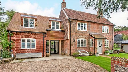 Birds Cottage - Part period cottage, part new extension, and presented, shabby chic, country-style,