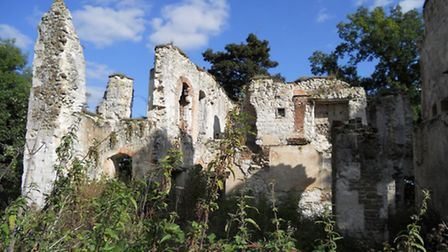 The ruins of Betchworth castle