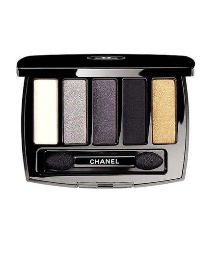Les 5 Ombres De Chanel Oiseaux De Nuit has five timeless and precious shades including a silvery whi