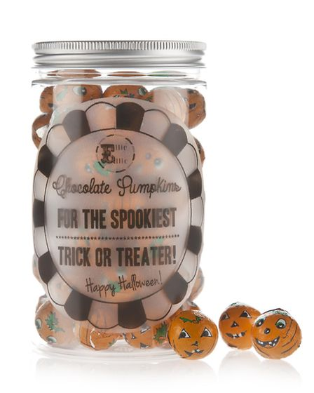 Mwah ha ha ha haaa! Perfect for trick or treaters, or to treat your own little pumpkins, these are