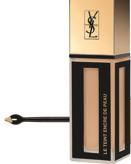 Be Flawless This season Yves Saint Laurent presents its definitive solution to what we want in a fo
