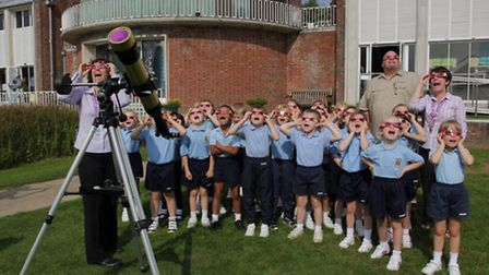 Sutton Valence pupils awestruck by the sun