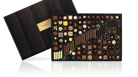A truly epic collection for celebrations, dramatic dinners and party centrepieces, the Large Chocola