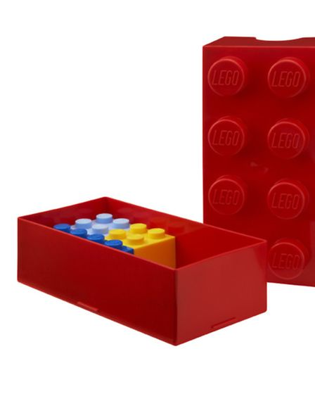 Packed lunches will never be boring with the Lego® lunch box! A great size for sandwiches and anythi