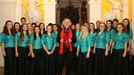 Kinder Youth Choir with Noddy Holder