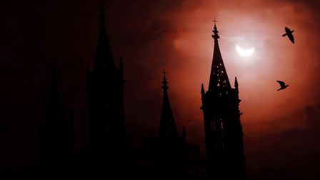 Solar eclipse on March 20, 2015, behind Gloucester Cathedral, by Paul Nicholls, www.paulnichollsphot