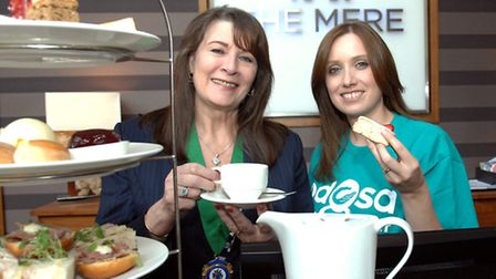 Deputy Mayor of Cheshire East Council, Olivia Hunter, with the PDSA's Stacey Teece