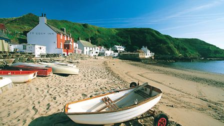 The Ty Coch Inn at Porthdinllaen. Crown copyright. Visit Wales.