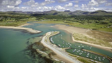 Shell Island, Mochras. Crown copyright. Visit Wales.