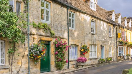 The historical town of Stow on the Wold in the Costwolds © Gordon Bell, Shutterstock