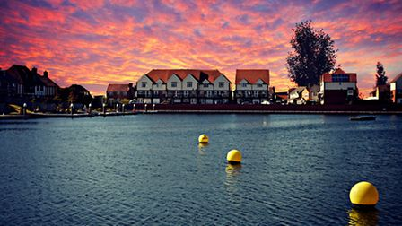 Eastbourne Harbour by Daniel Lee (creativecommons.org/licenses/by-nc/2.0/) via flic.kr/p/ezrBYh