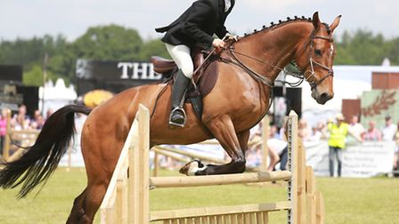Anna Shillington of The Cheshire Forest Hunt on her horse 'Humperdink' in the Inter Hunt Relay event