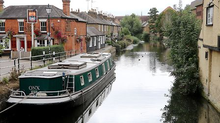 The Lea is navigable below this point by Folly Island in Hertford. The towpath to London starts besi