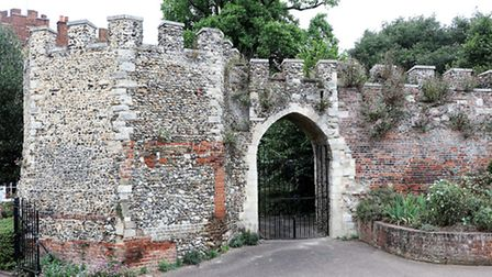 Early 14th century postern gate at Hertford Castle