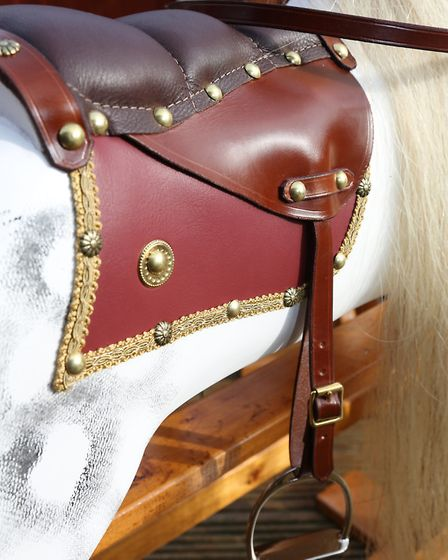 Fitted saddle
