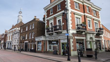 The attractive High Street boasts a wealth of independent shops (photo: Manu Palomeque)