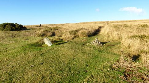 A small cairn and leaning stone to the right of the bridleway help to keep walkers and horses in the