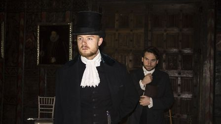 Lukas Lee as Ebenzer Scrooge and Dan Wheeler as Mr Cratchit (c) Split Second Productions