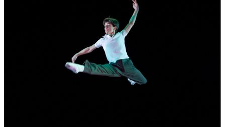 Electricity performed by Giuseppe Bausilio as Billy Elliot (c) Michael Brosilow