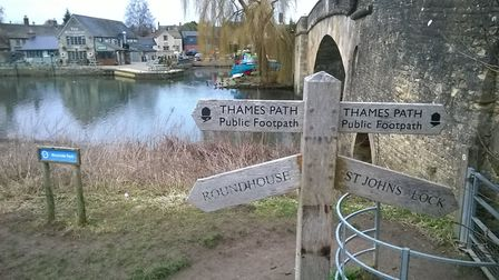 Sign by Ha'penny Bridge, Lechlade