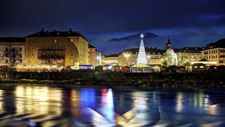 There are six different Christmas Markets in Innsbruck (OPTION 1)