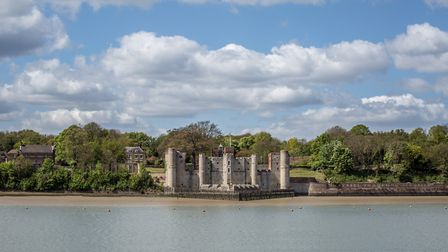 Upnor Castle from the River Medway (photo: Manu Palomeque)