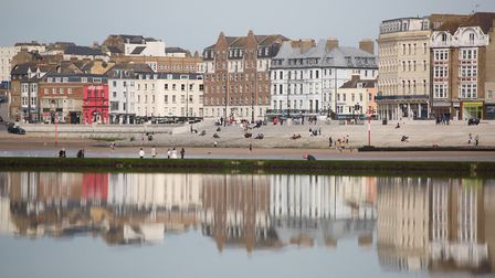 The Old Town from the harbour (photo: Manu Palomeque)