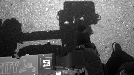 The first full-resolution image of the Martian surface from NASA's Curiosity rover (photo: NASA)