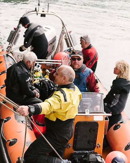 Combe Diver leaves Ilfracombe Harbour