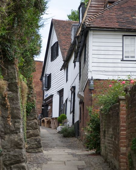 Picturesque charm of Six Bells Lane (photo: Manu Palomeque)