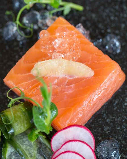 Home-cured whisky and citrus salmon (photo: Manu Palomeque)