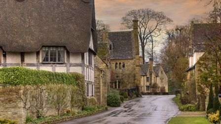 A row of Cotswold cottages (c) AndyRoland / Getty Images