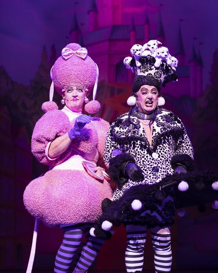 Connor McIntyre and Les Dennis as the Ugly Sisters, Manchester 2018 Credit: Phil Tragen