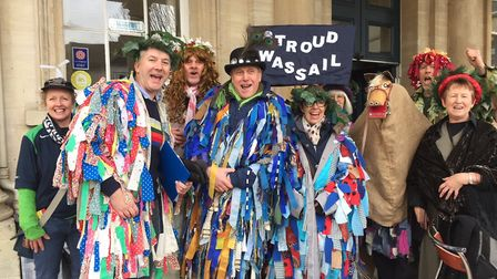 Stroud Wassailers with Dominic Cotter of BBC Radio Gloucestershire (c) Stroud Wassail