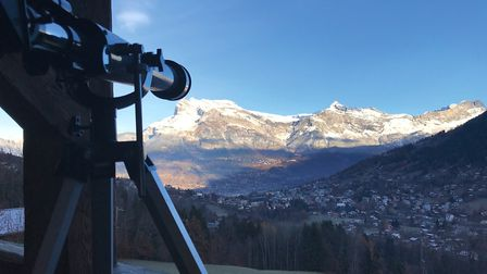 The chalet has outstanding views of the surrouding mountain ranges