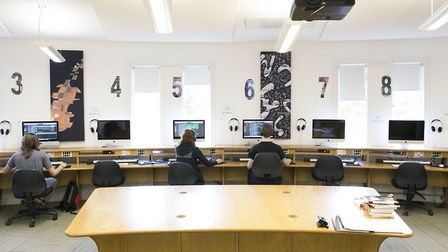 Knowledge of digtial recording and production is part of the education (photo: Purcell School)