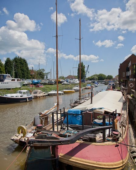 The River Stour is a peaceful place for pleasure boats, anglers and lovers of wildlife (photo: Manu