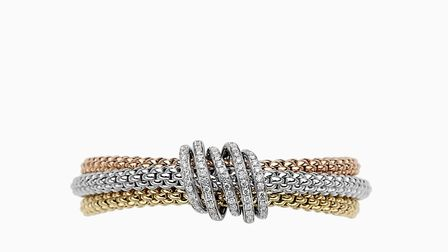 The design of the FOPE rings is inspired by the iconic Novecento mesh. Photo credit: Laings Jeweller