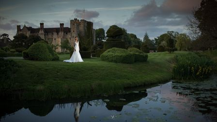 Hever's stunning grounds make for some memorable wedding photographs (photo: Jeff Oliver photography