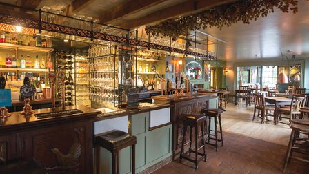 The inviting central bar of the Marquis of Granby (photo: Manu Palomeque)