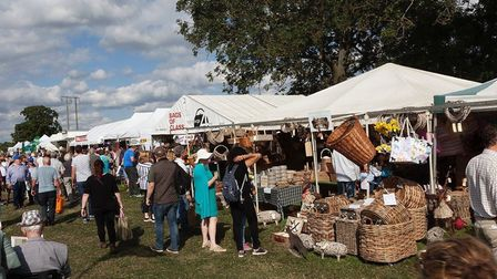 Shopping in the sunshine at Moreton Show