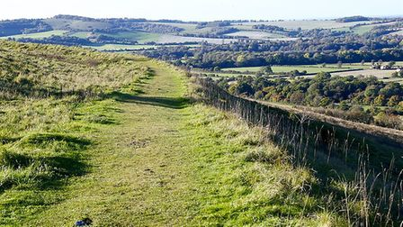 Old Winchester Hill by Herry Lawford (creativecommons.org/licenses/by/2.0) via https://flic.kr/p/8Ns