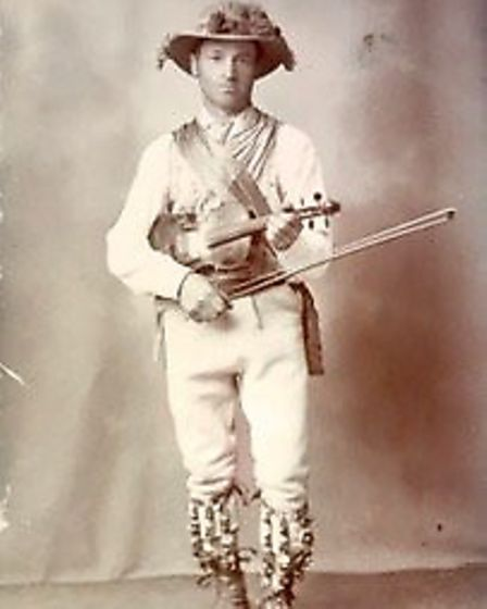 Sam Bennett was a world renowned fiddler and a key figure in the history of the Ilmington Morris Men