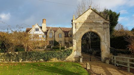 Bredons Norton Manor House, with archway dated 1585 (photo: Kirsty Hartsiotis)