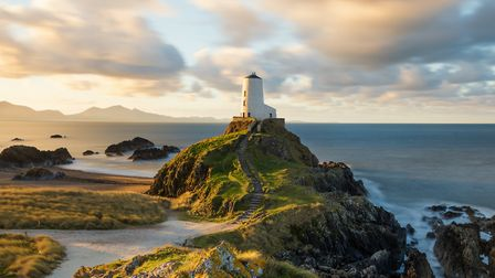 Twr Mawr lighthouse, Llanddwyn (c) Daniel_Kay/Getty Images/iStockphoto