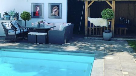 Why not enjoy a dip while looking at some art (photo: Yardart)