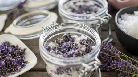 Make yourself an aromatic and healing bath salts mix with Lisa's recipe - the perfect gift or treat