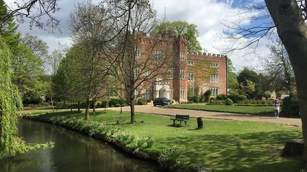 Hertford Castle and River Lea (c) Matt Brown, Flickr (CC BY 2.0)